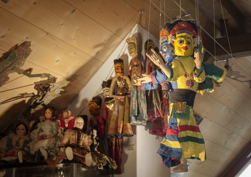 Marionettes from Nepal and India, Slavic dolls